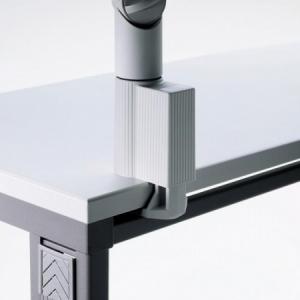 Úchyt 2 na hranu stola 1,8-7,4cm sivý